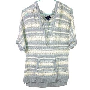 American Eagle short sleeve hooded sweater size L